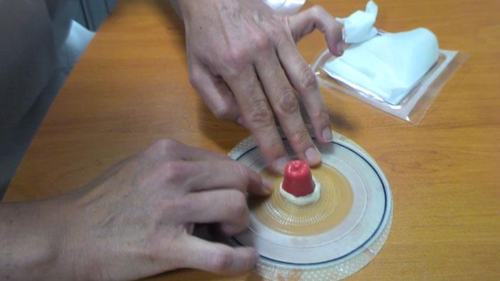 Application de la pâte en tube Brava - vidéo 3